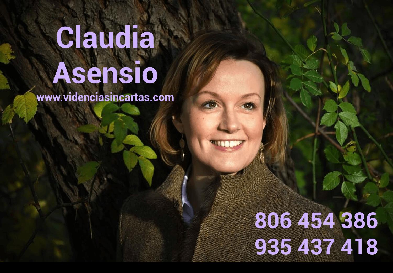 Claudia-Asensio-vidente-natural Videncia sin cartas